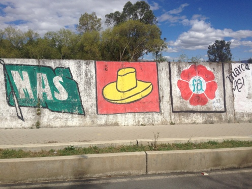 Más, Sombrero and Flower