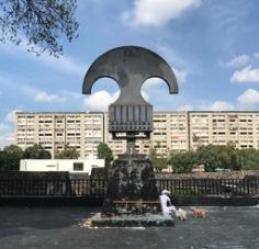 Sculpture in the Plaza de los 3 Culturas